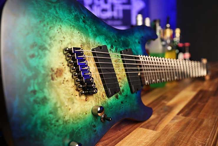 Guitarra de ocho cuerdas Cort KX508MS
